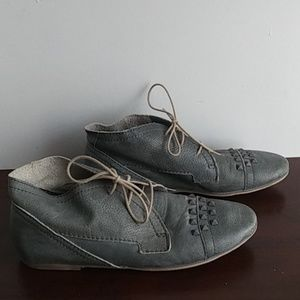EUC Liebeskind Distressed Grey Studded Shoes Sz 39